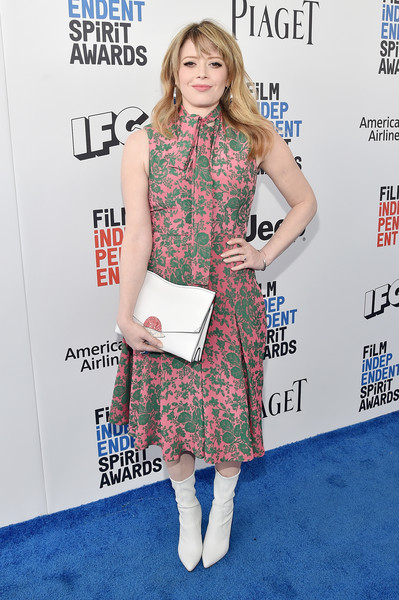 Natasha Lyonne Oversized Clutch [red carpet,clothing,dress,hairstyle,fashion,footwear,premiere,carpet,joint,cocktail dress,plaid,natasha lyonne,film independent spirit awards,santa monica pier,california]