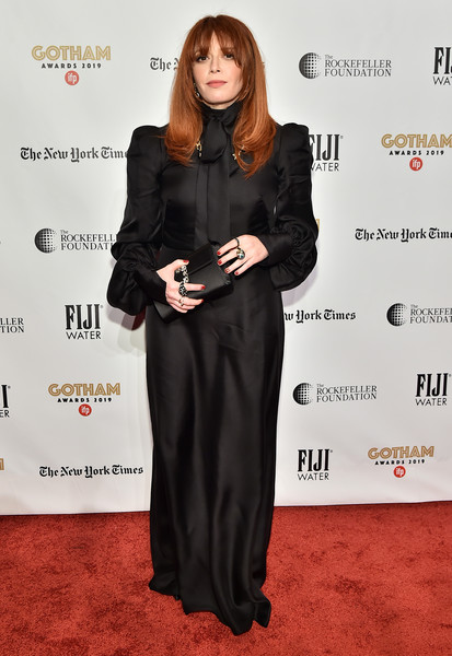 Natasha Lyonne Satin Clutch [red carpet,clothing,carpet,dress,red carpet,flooring,long hair,premiere,event,little black dress,formal wear,natasha lyonne,new york city,cipriani wall street,ifp,29th annual gotham independent film awards]