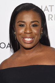 Uzo Aduba sported flat-ironed tresses at the National Board of Review Awards Gala.