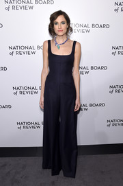 Allison Williams chose a midnight-blue corset jumpsuit by Cushnie et Ochs for the 2018 National Board of Review Awards Gala.