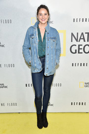 Shailene Woodley did denim-on-denim so stylishly with this oversized jacket and jeans combo.