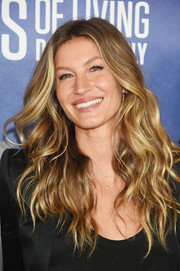 Gisele Bundchen sported beach-chic waves at the new season premiere of 'Years of Living Dangerously.'