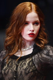Ellie Bamber glammed it up with this wavy hairstyle at the Cannes screening of 'The Neon Demon.'