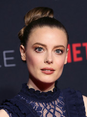 Gillian Jacobs showed off a stylish segmented bun at the Netflix FYSEE kickoff event.