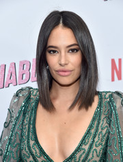 Chloe Bridges framed her face with a center-parted lob for the premiere of 'Insatiable' season 1.
