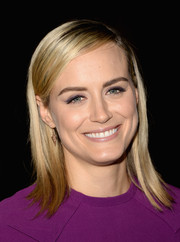 Taylor Schilling sported a no-frills shoulder-length 'do during the 'Orange is the New Black' panel discussion.