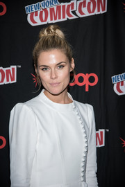 Rachel Taylor looked cute wearing this top knot during New York Comic-Con.
