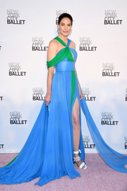 Michelle Monaghan was a style standout in a color-block cold-shoulder halter gown by Prabal Gurung at the New York City Ballet's 2017 Fall Fashion Gala.