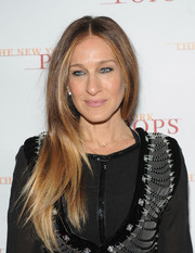 Sarah Jessica Parker opted for a simple center-parted 'do when she attended the New York Pops 31st birthday gala.