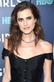 Allison Williams oozed glamour with her high-volume wavy 'do at the New York premiere of the final season of 'Girls.'