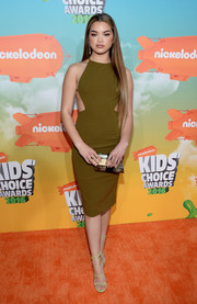 Paris Berelc polished off her look with an Emm Kuo mother-of-pearl clutch.