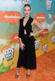 Peta Murgatroyd flashed some skin at the Nickeolodeon Kids' Choice Awards in a black Magda Butrym jumpsuit with a ruffle neckline and a midriff cutout.