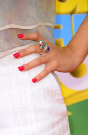 Selena Gomez added a pop of color to her look with fuchsia nails at the Kid's Choice Awards.