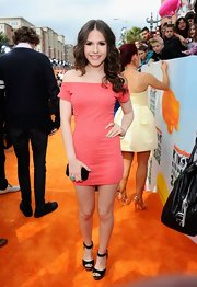 Erin Sanders chose this off-the-shoulder salmon frock to wear to the Kids' Choice Awards.