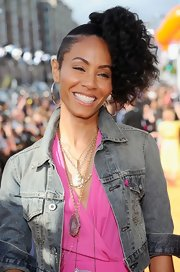 Jada Pinkett Smith attended the 2012 Kids' Choice Awards wearing a pink agate and irregular diamond pendant set in 18-carat yellow gold paired with a large dark geode and diamond pendant set in 18-carat white gold with black rhodium