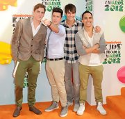 Kendall Schmidt's cargo pants camped up the boy band member's sleek style.