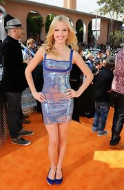 Halston Sage looked dazzling at the Kids' Choice Awards in this metallic number.