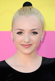 Peyton List looked totally fun and flirty with a glossy pink lip, which she sported at the 2013 Kids' Choice Awards.