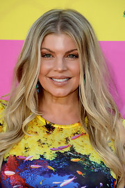 A long wavy cut was a simple and elegant choice for Fergie at the KCAs.