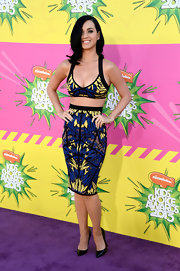 Katy Perry traded in her whip cream bra for something a little more sophisticated, like this patterned bra-style top.