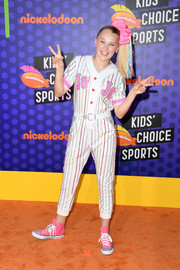 JoJo Siwa went the athletic route in a baseball-themed jumpsuit at the 2018 Nickelodeon Kids' Choice Sports Awards.