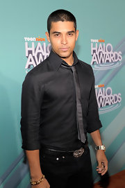 Wilmer Valderrama was spotted wearing a gold bracelet at the Nickelodeon event.