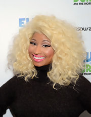 A heavy dose of black liner was the key to Nicki Minaj's shimmery cat eyes.