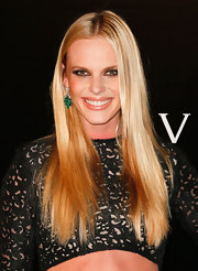 Dramatic lowlights made Anne V's straight locks look super-thick and full.