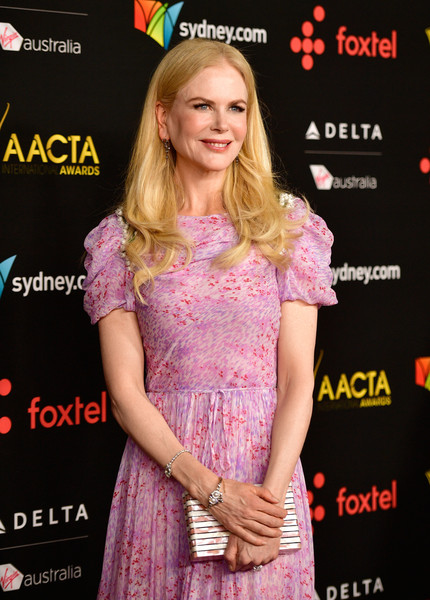 Nicole Kidman Printed Clutch [premiere,pink,dress,hair coloring,long hair,cocktail dress,event,eyelash,carpet,red carpet,arrivals,nicole kidman,avalon hollywood,california,los angeles,aacta international awards]