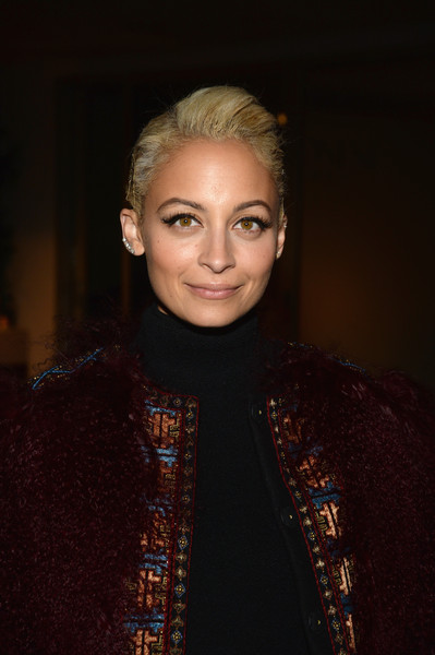 Nicole Richie Pompadour [instyle celebrate honest beauty and the launch of the letsbehonest campaign,hair,face,eyebrow,hairstyle,beauty,chin,lip,fashion,blond,cheek,humberto leon,jessica alba,nicole richie,honest beauty,los angeles,california,instyle,campaign,launch]