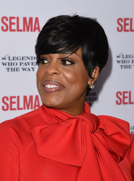 Niecy Nash Emo Bangs [legends who paved the way gala - special screening of paramount pictures,hair,hairstyle,black hair,forehead,chin,pixie cut,crop,premiere,smile,arrivals,niecy nash,selma,selma,bacara resort,goleta,california,legends who paved the way,gala]