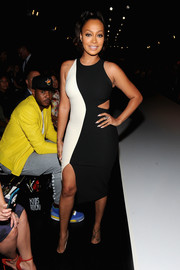 La La Anthony put the spotlight on her voluptuous figure with this tight-fitting black-and-white cutout dress during the Nike/Levi's Kids Rock! runway show.