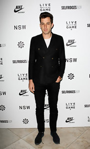 Mark Ronson dressed up his black skinny jeans with a double breasted blazer.