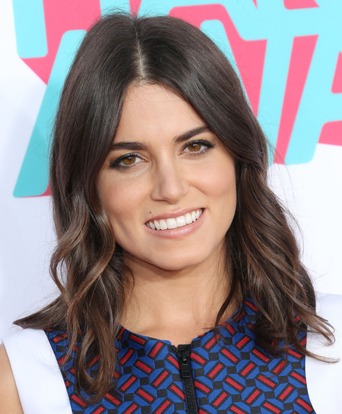 Nikki Reed Medium Wavy Cut