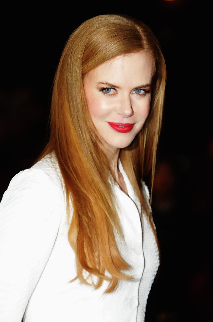 Actress Nicole Kidman attends the World Premiere of 'Nine' at Odeon Leicester Square on December 3, 2009 in London, England.