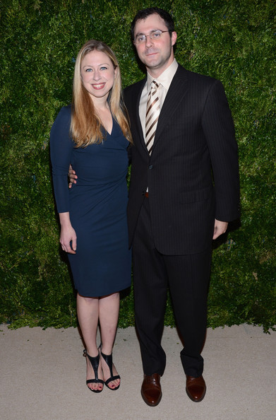 More Pics of Chelsea Clinton Wrap Dress (1 of 5) - Chelsea Clinton Lookbook - StyleBistro