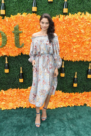 Shanina Shaik completed her attire with embellished blue ankle-strap sandals.