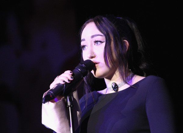 Noah Cyrus Gemstone Choker Necklace [performance,entertainment,singing,music artist,singer,performing arts,microphone,song,event,purple,noah cyrus,california,hollywood,humane society of the united states,rescue los angeles,paramount studios,rescue los angeles gala]
