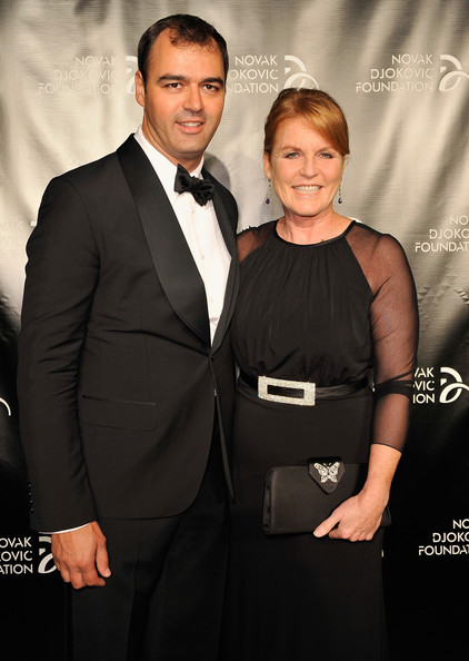 More Pics of Sarah Ferguson Classic Bun (1 of 6) - Sarah Ferguson Lookbook - StyleBistro