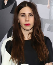 To give her black and white ensemble a pop of color, Zosia opted for a ruby red lipstick for her supple pout!
