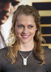 Teresa attended the Madrid premiere of 'I Am Number Four' wearing a silver pendant necklace.