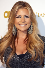 Dana Wilkey attended 'OK!' magazine's pre-Grammy event wearing silver mesh hoop earrings.