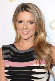 Ali Fedotowsky wore her hair in a long, casually layered 'do at 'OK!' magazine's pre-Grammy event.