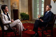 Robin Roberts chose a white pantsuit for her interview with President Obama.