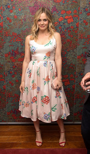 Alicia Silverstone looked lovely in this flowery BB Dakota frock at an opening night party in the Big Apple.