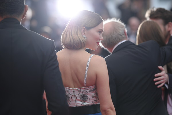 More Pics of Lea Seydoux Bob (1 of 126) - Short Hairstyles Lookbook - StyleBistro [photograph,event,yellow,fashion,dress,ceremony,shoulder,interaction,formal wear,photography,une lumiere,lea seydoux,screening,une lumiere,roubaix,cannes,france,oh mercy,red carpet,the 72nd annual cannes film festival]