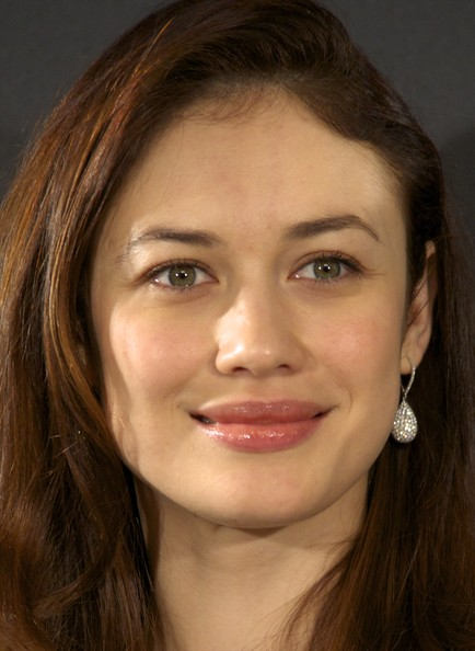 Olga Kurylenko Dangling Diamond Earrings