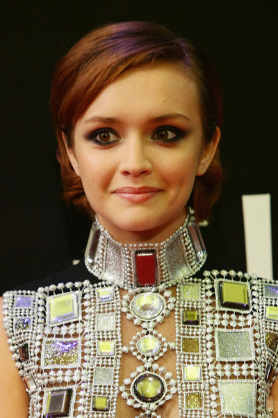 Olivia Cooke Short Side Part [me and earl and the dying girl,hair,face,eyebrow,hairstyle,beauty,chin,fashion,forehead,cheek,lip,olivia cooke,red carpet,locarno,switzerland,locarno film festival]