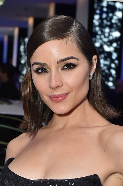 Olivia Culpo Dangling Diamond Earrings