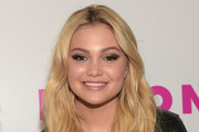 Olivia Holt Long Wavy Cut